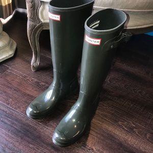 NWOB Hunter Original Tall Rain Boots Dark Olive